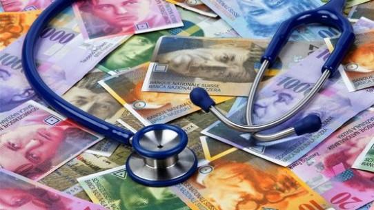 Caisses-maladie: trois initiatives adressées à Berne