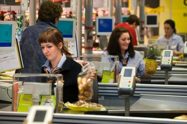 Pas d'ouverture des magasins le dimanche sans protection des salarié-e-s: le référendum s'impose!