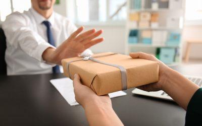 Le parlement adopte la loi anti-cadeaux de Pierre Bayenet