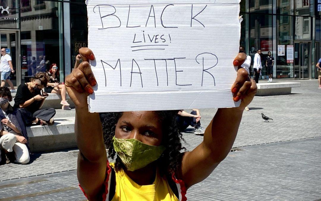 Solidarité avec les peuples en lutte contre la brutalité policière, aux États-Unis et en Amérique latine